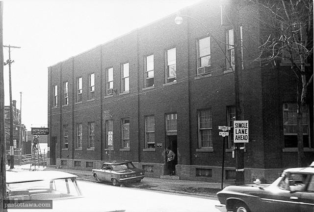 Le 643 rue Wellington aux plaines Lebreton à Ottawa en 1962
