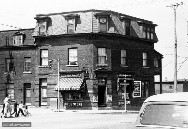 Ancienne pharmacie de Denis Ranger au coin des rues Wellington et Booth aux plaines Lebreton