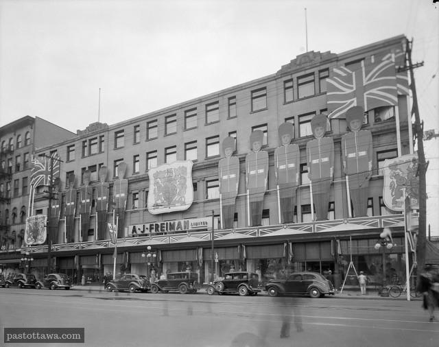 Le magasin A.J. Freiman sur la rue Rideau en 1938