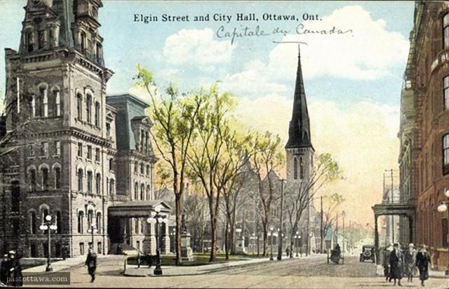 La rue Elgin et l'Église Knox et l'Hôtel de ville