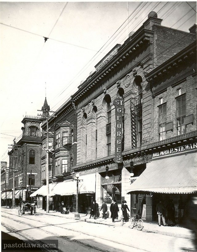 Le halle St-Georges sur la rue Bank à Ottawa