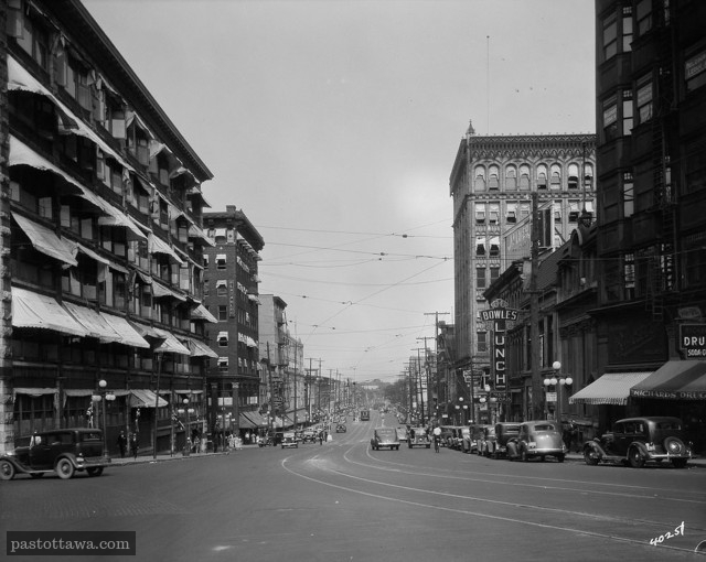 Rideau Street in 1938 with the Corry Block and Daly.