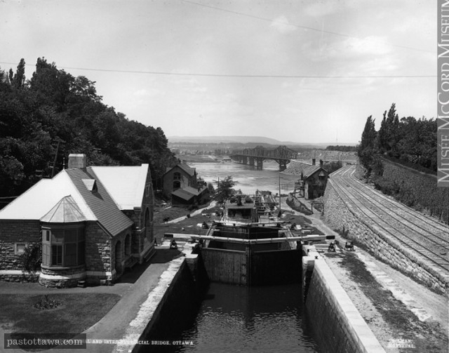Locks of the Rideau Canal in 1900