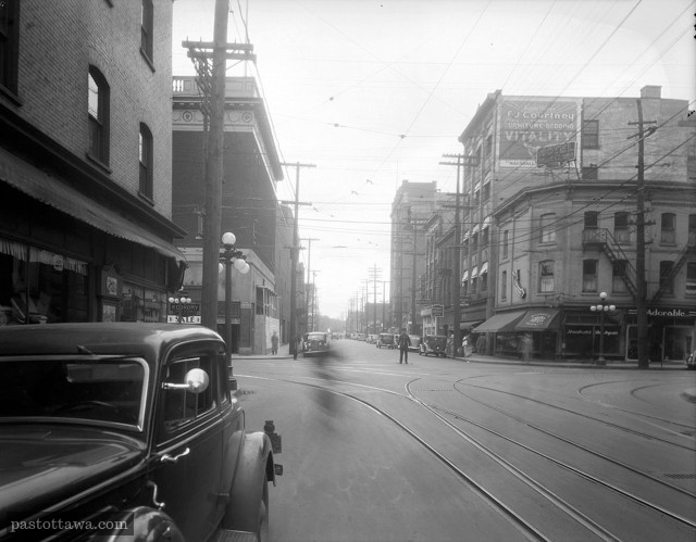 Queen Street at Bank in 1938