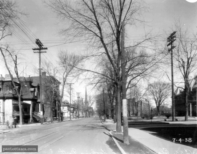 Elgin Street at Lisgar looking north in Ottawa in 1938