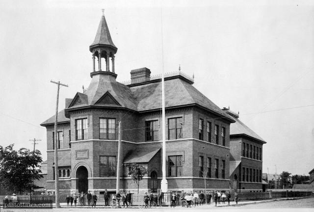 École publique de la rue Elgin vers 1900