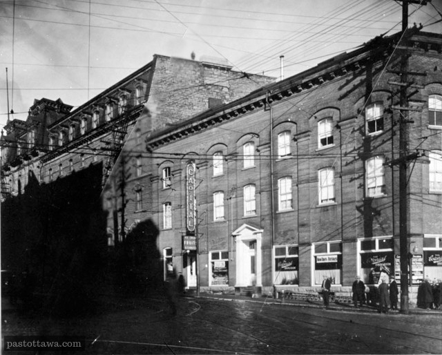 Elgin street and Queen Street in 1920 when the Russell house was still up