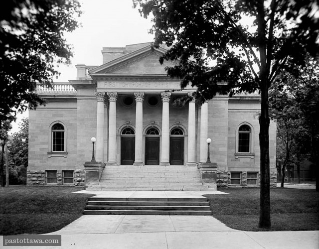 First Church of Christ on Metcalfe Street in Ottawa around 1915