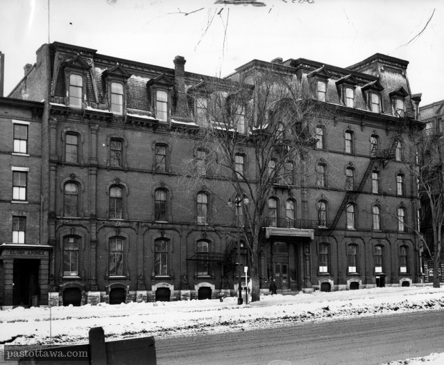 Hôtel Grand Union à Ottawa sur la rue Elgin in 1940