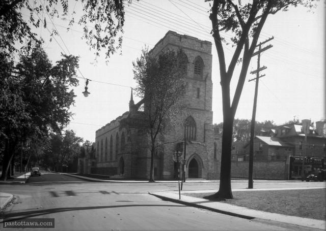 L'église Knox sur Elgin dans les années 30.
