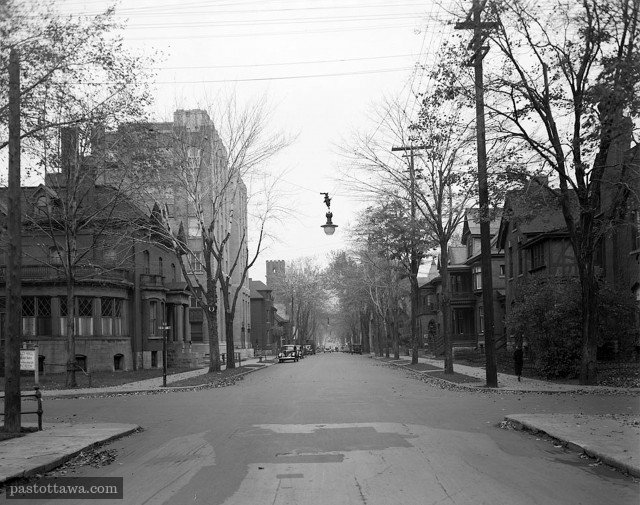 Metcalfe looking north at Lisgar in 1938