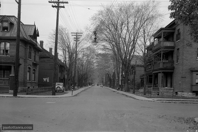 Lisgar and O'Connor looking east in Ottawa in 1938