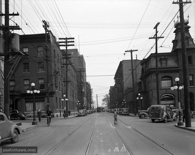 Rue Queen à la hauteur de Metcalfe en 1938