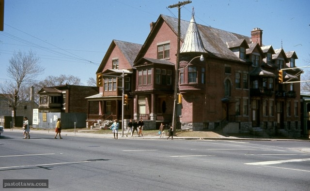 Former building at the corner of Chapel and Rideau Street in Ottawa in 1968.