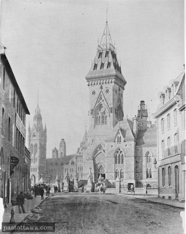 Elgin Street around 1910 with the Parliament in background.
