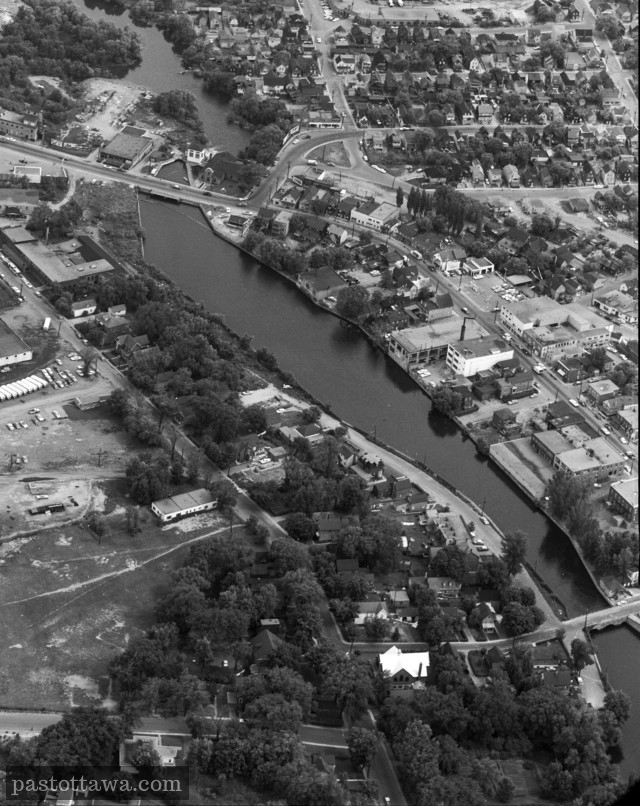 Aerial view of Brewery Creek in Hull around 1940
