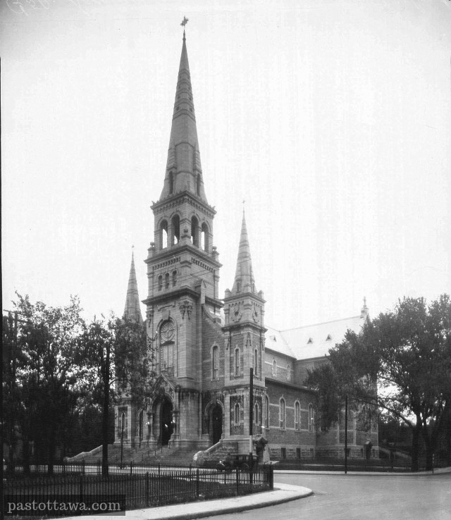 Sacred-Heart Church on Laurier