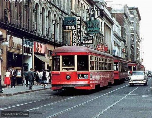 Streetcar on Sparks Street