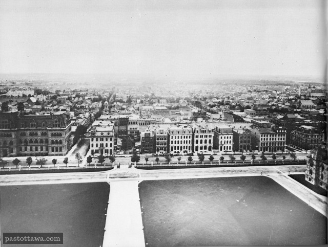 Wellington Street from the peace Tower in 1910