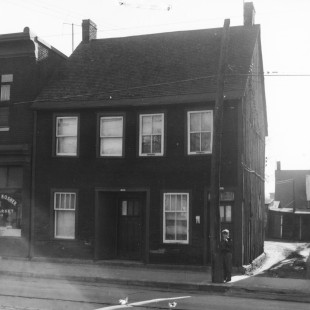 466 St. Patrick Street in Ottawa's Lowertown East around 1950