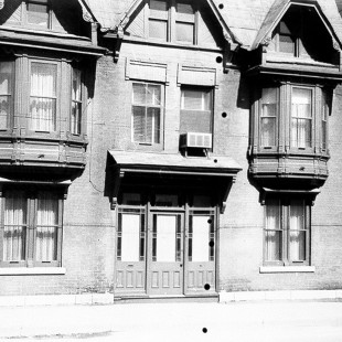547 Wellington Street in Lebreton Flats around 1962.