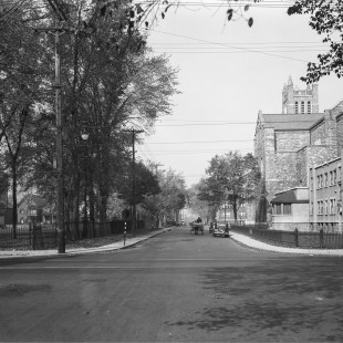 Intersection des rues Laurier et Cumberland in 1938