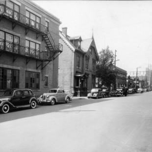Albert Street near Metcalfe Street