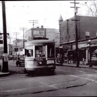 Intersection des rue Bank et Gladstone vers 1940