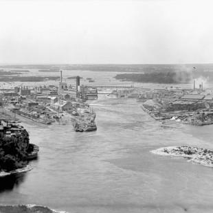 Ottawa River with Victoria Island and Chaudière Island