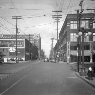 Rue Bank à la hauteur de Laurier en 1938