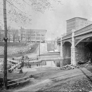 Dufferin Bridge, Rideau canal in 1900