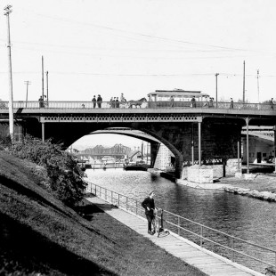 Sappers and Dufferin Bridge