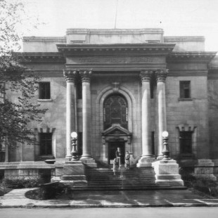 Public library of Ottawa around 1900