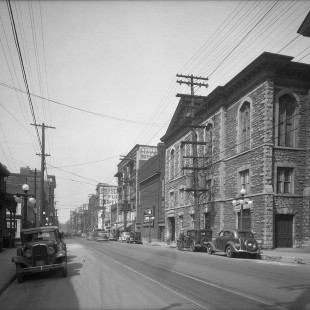 Queen Street looking west between Metcalfe and O'Connor in 1938