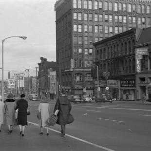 Intersection de la rue Rideau et de l'avenue Mackenzie à Ottawa
