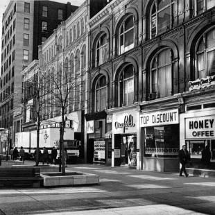 Pâté sud de la rue Sparks entre metcalfe et Elgin vers 1960
