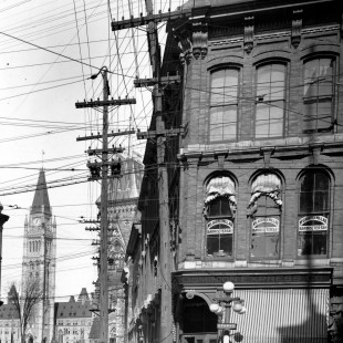 Spakrs Street and Elgin Street in 1920
