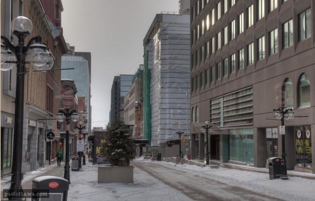 La rue Sparks en 2014. Vide.