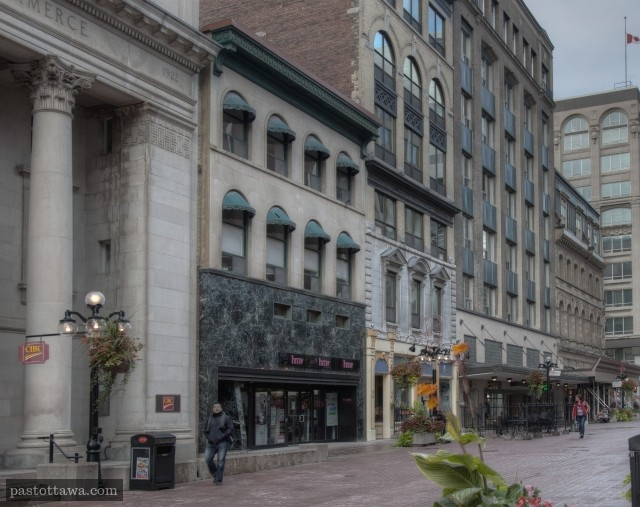 Banque of commerce on Sparks Street in 2013