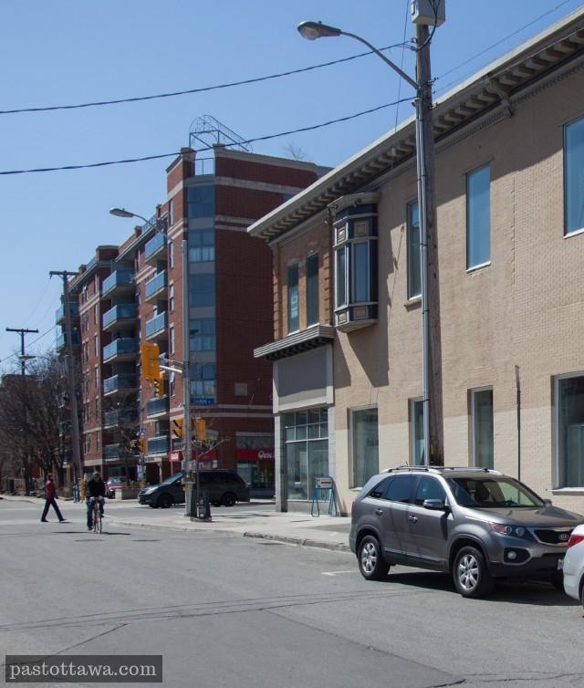 Coin des rue Bank et Gilmour à Ottawa en 2013
