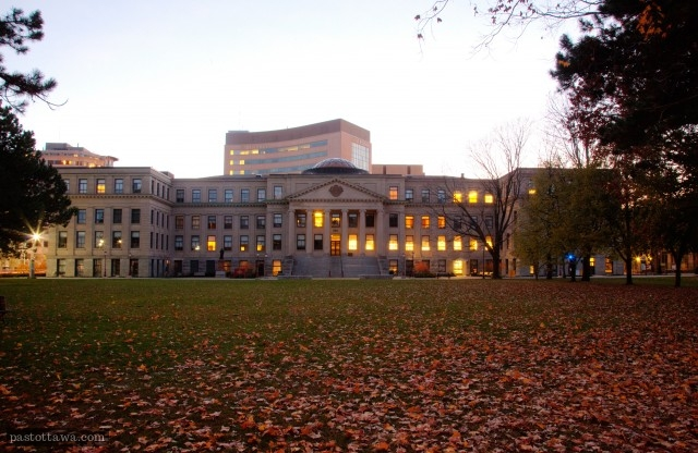 Tabaret Hall of University of Ottawa in 2016