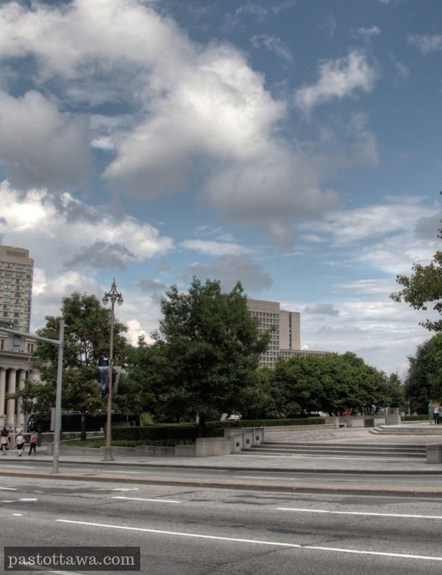 Monument commémoratif de la guerre sur la rue Wellington à Ottawa