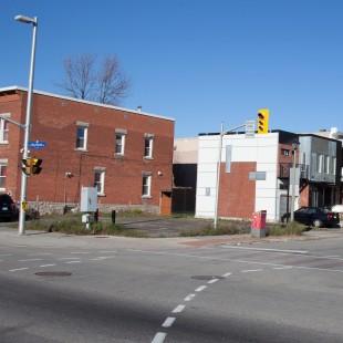 rue King-Edward au coin de la rue St-Andrew à Ottawa en 2013