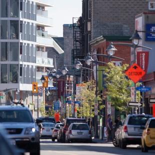 rue Bank entre les rue James et l'avenue Gladstone en 2014