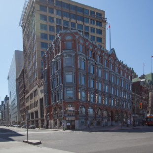 Chambers Building at Elgin & Queen