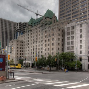 Hôtel Lord Elgin on Elgin street in Ottawa
