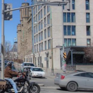 Milestone sur Mackenzie avenue à Ottawa