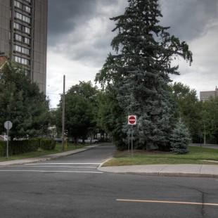 Intersection des rues Somerset et Queen Elizabeth à Ottawa en 2014