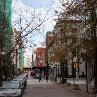Rue Sparks derrière la Banque du Canada en 2012