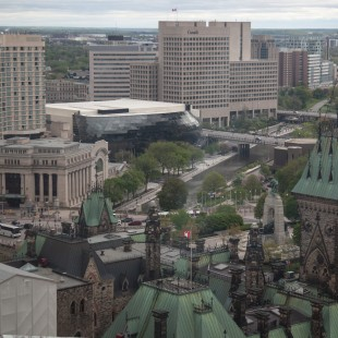 Canal Rideau, Union Station and Conference Centre in Ottawa
